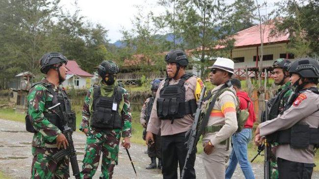 baku tembak TNI-Polri dengan KKB Papua